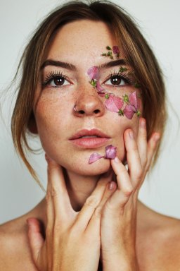 Why Women Need To Detox More Often Than Men